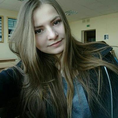 Оля Мороз