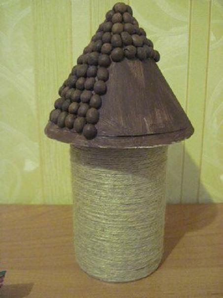 Мельница из шпагата и кофейных зёрен