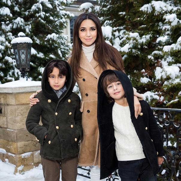 Зара и ее сыновья!