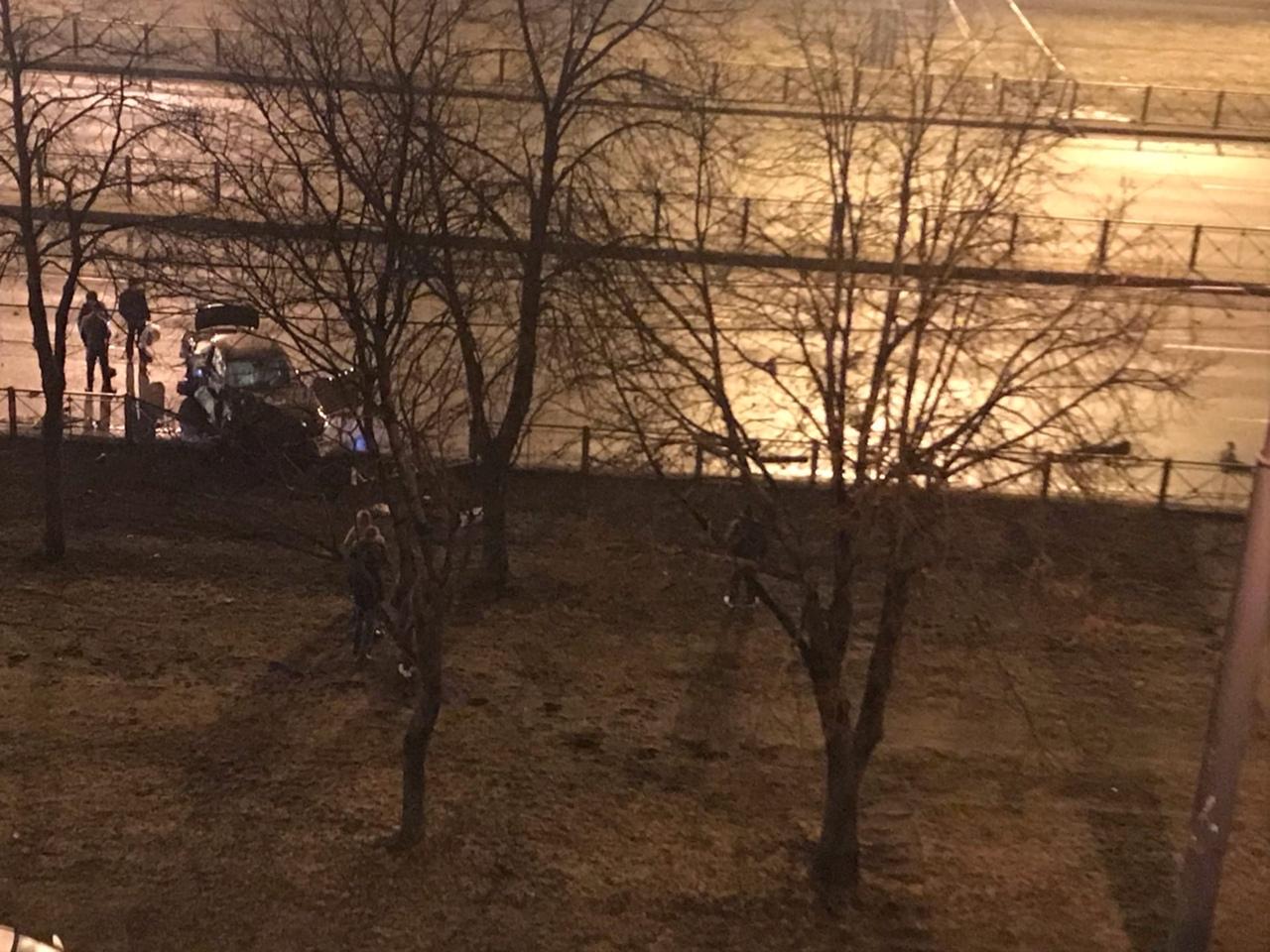 Напротив дома 38к1 на Софийской произошло ДТП. Бмв синего цвета двигалась в направлении проспекта С...