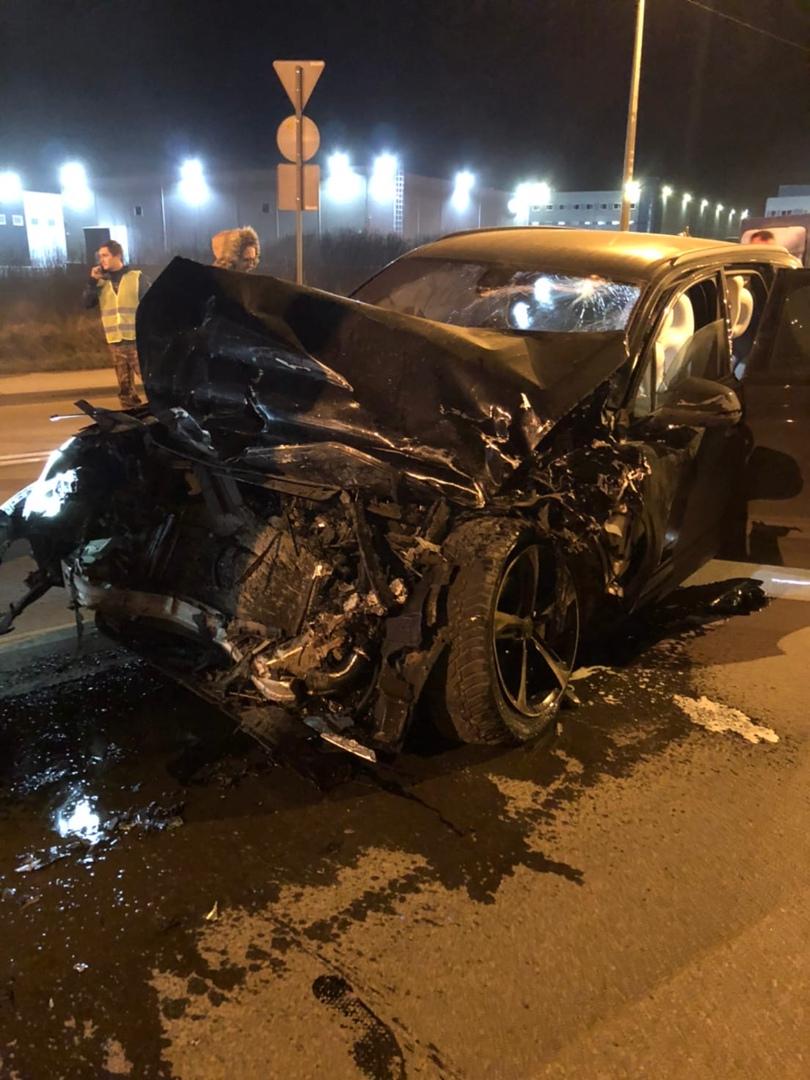 Дтп у завода Hyundai . В 22.13 Пьяный водитель Audi обогнал меня как стоячего(я ехал 120) и въехал ...