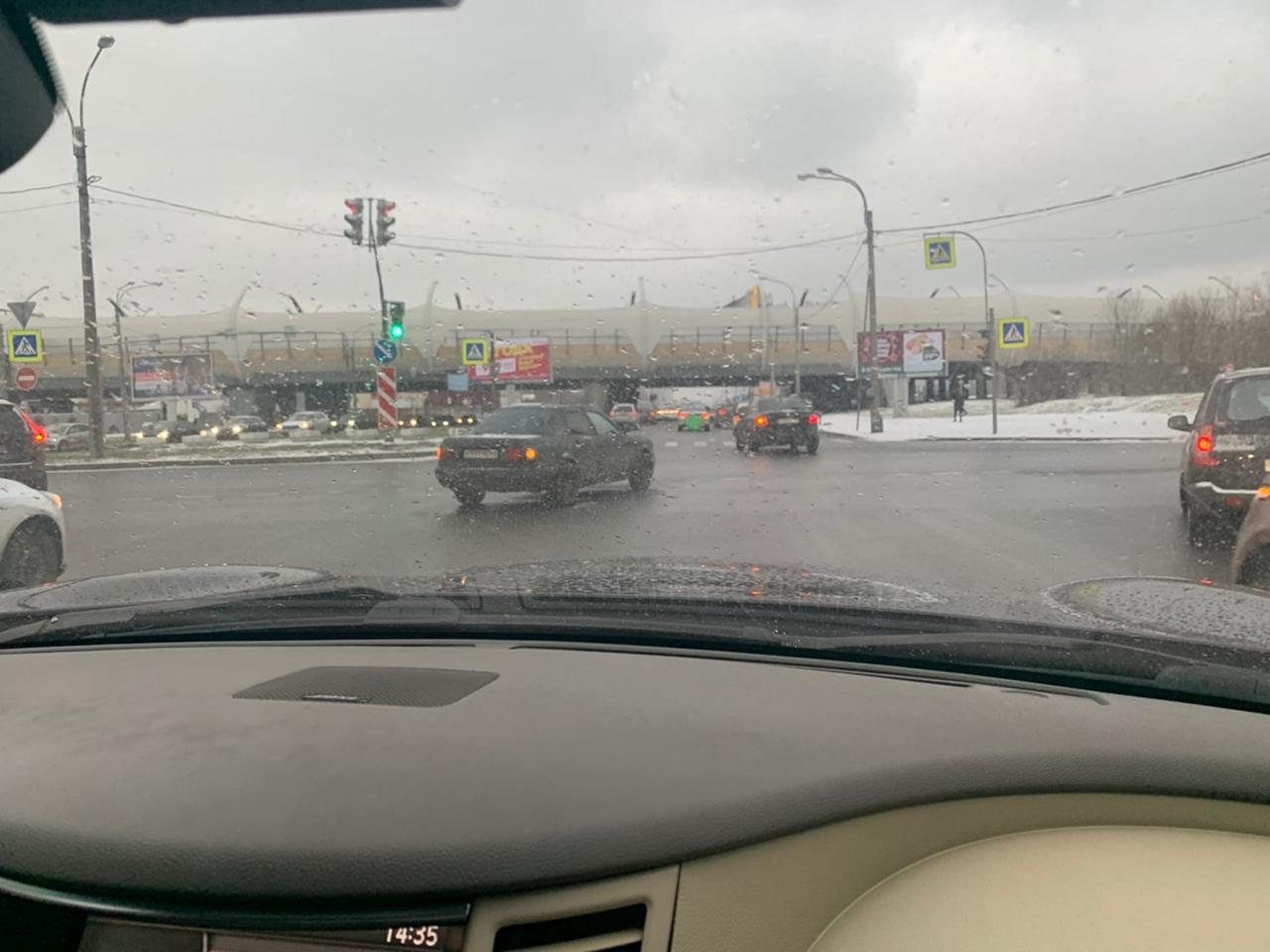 ДТП Audi и Киа на перекрёстке Оптиков и Планерной