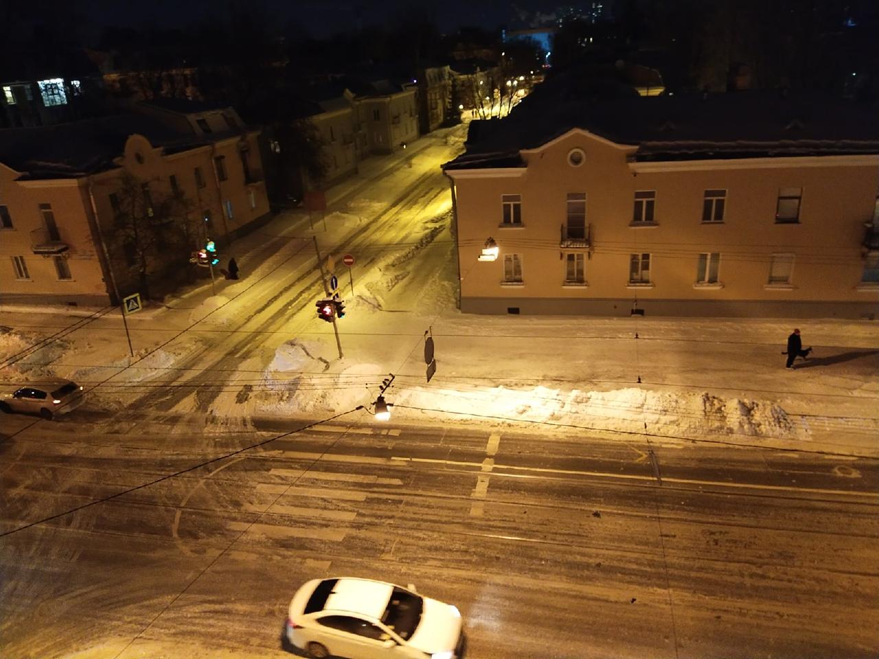 Машина сбила пешехода на пересечении Савушкина и Оскаленко...