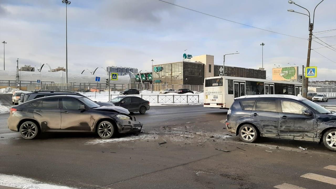 Прошу откликнуться свидетелей ДТП, произошедшего 11 февраля, в 14:30 на перекрёстке Планерной и Ситц...