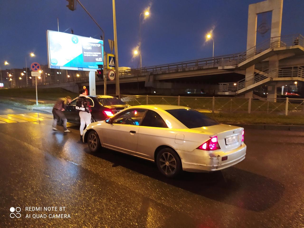 Ищу свидетелей ДТП произошедшего при повороте с Витебского на Дунайский (в сторону Купчинской)30.11 ...