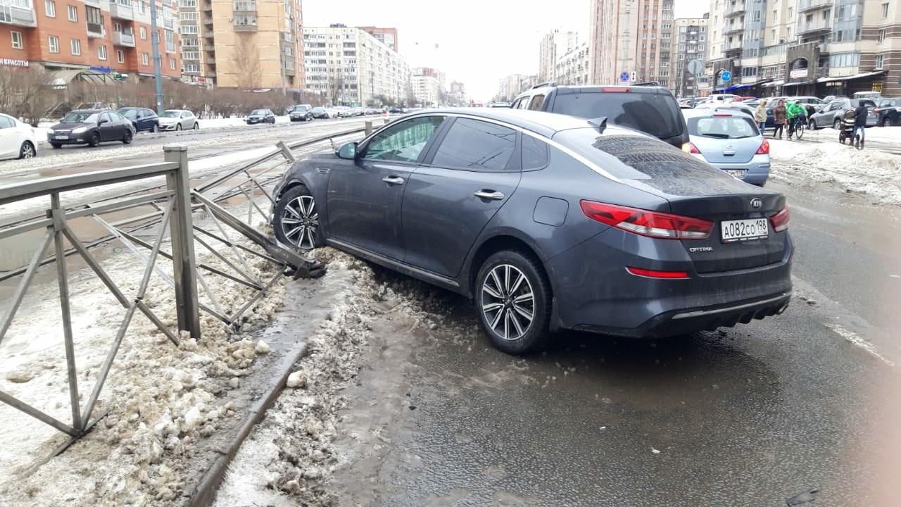 Ищем свидетелей ДТП, произошедшего 13 марта примерно в 14 часов дня по адресу пр. Луначарского напро...