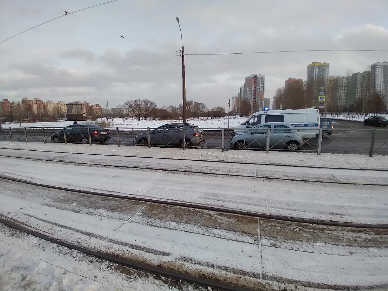 Микра сбила пешехода на пешеходном переходе при неработающем светофоре через Бухарестскую улицу в ст...