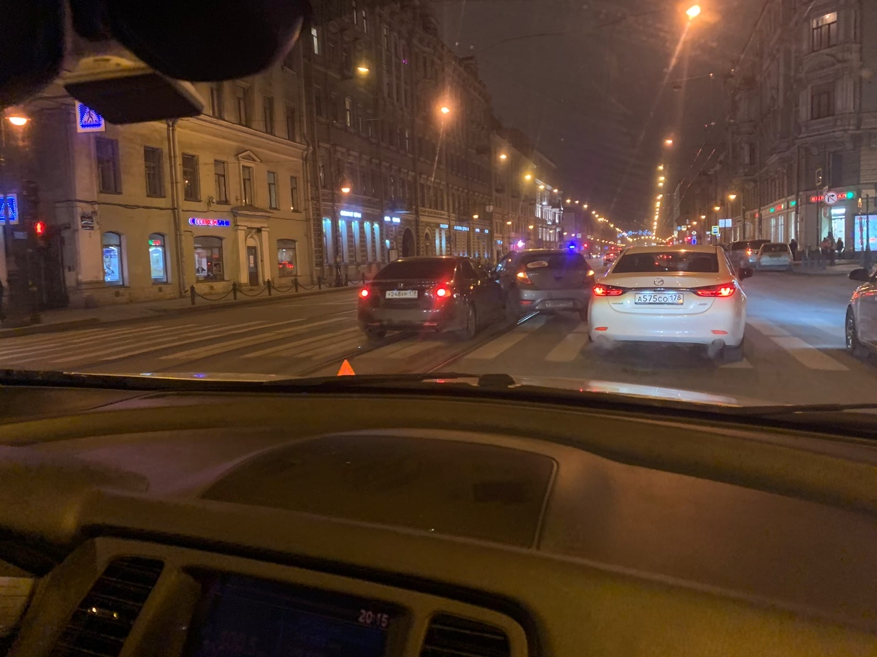 Hyundai напал на Хонду на Литейном у Фурштатской