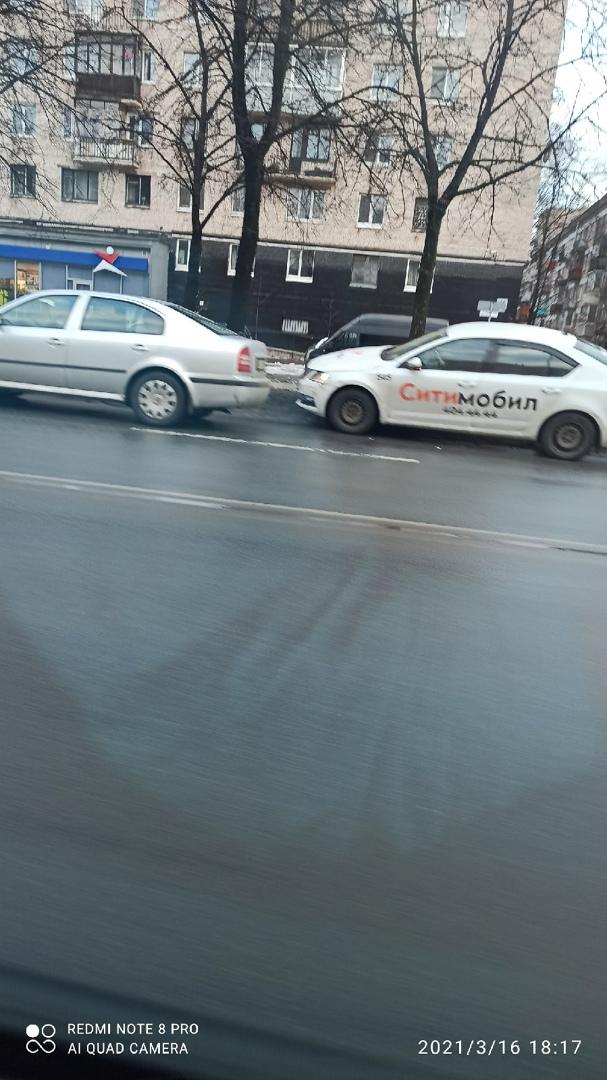ДТП между двумя Шкодами на Гражданском пр.