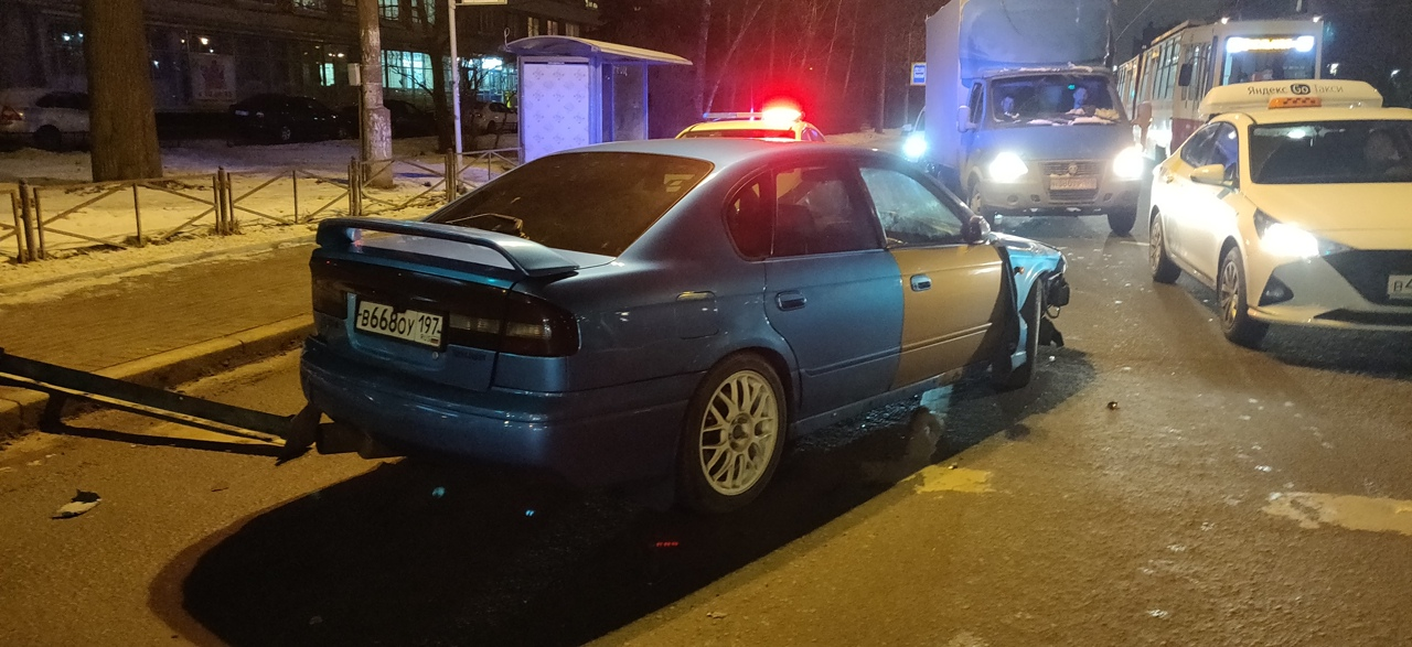4 января примерно в 19:05 произошла авария в Выборгском районе на пересечении проспекта Энгельса и Р...