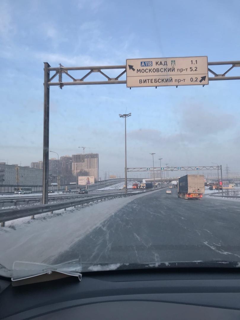 ДТП на Московском шоссе , недалеко от развилки а Шушары, перекрыли дорогу полностью. Образовалась пр...