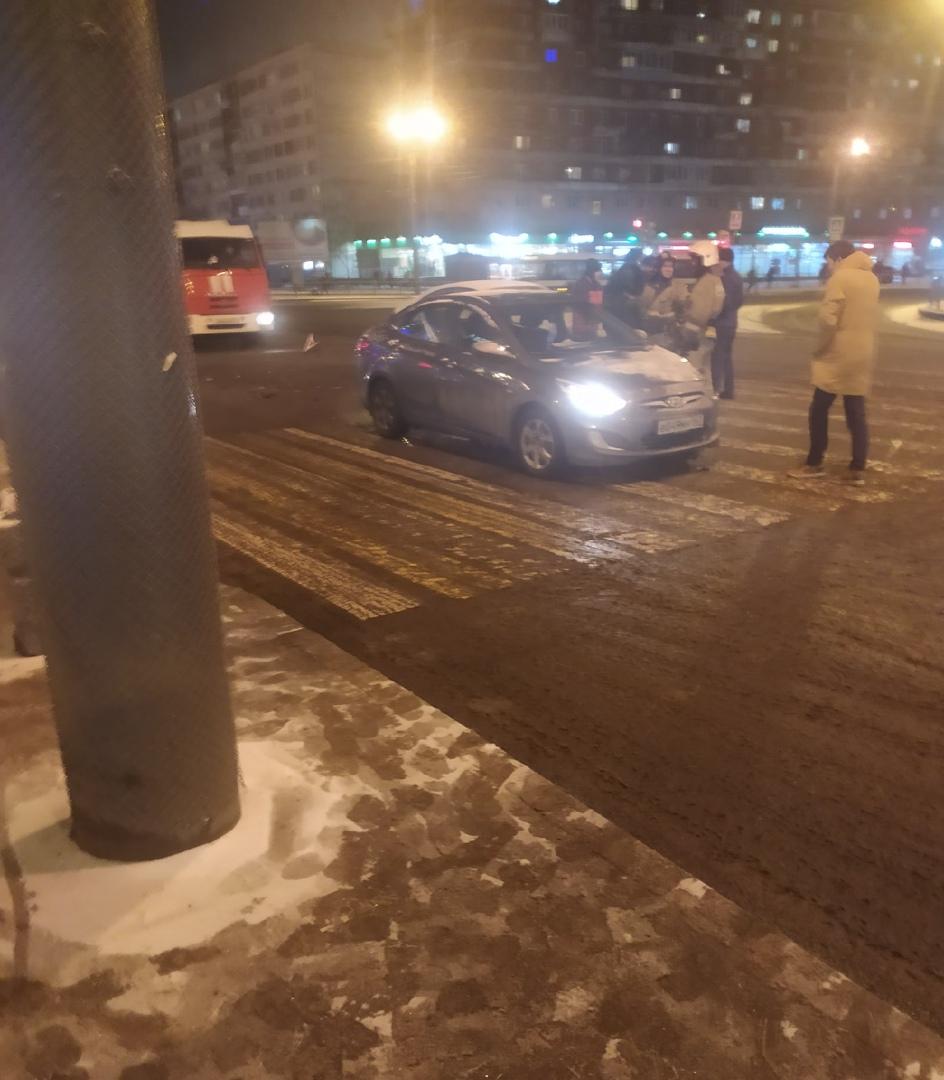 Опять ДТП с участием Яндекса, только на этот раз он виновник. На перекрёстке Бухарестской и Белы Кун...