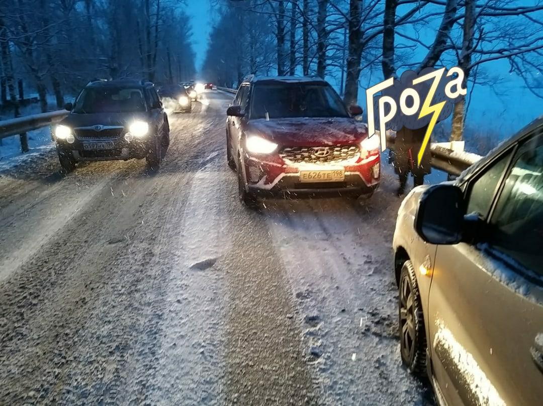 18 января около 9 утра, по дороге соединяющей Детскосельский и Московское ш.произошло ДТП с неуравно...