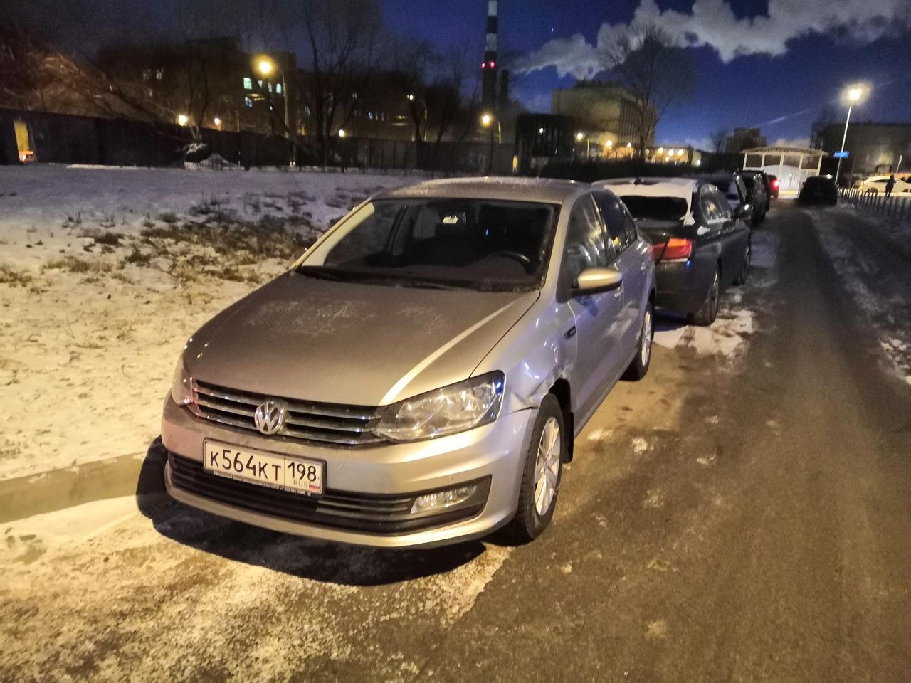 Сейчас при мне Киа притерла Volkswagen Поло на Кременчугской 17к2 и не останавливаясь срулила. Номе...