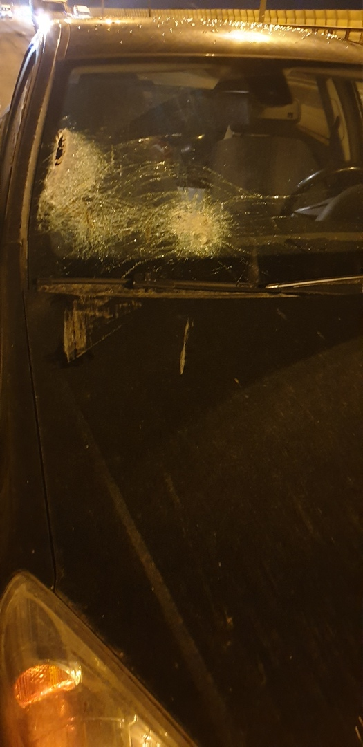18 марта в 20.43 на КАД в ройоне Ржевки, что-то внезапно прилетело в лобовое стекло. Если у кого-ниб...