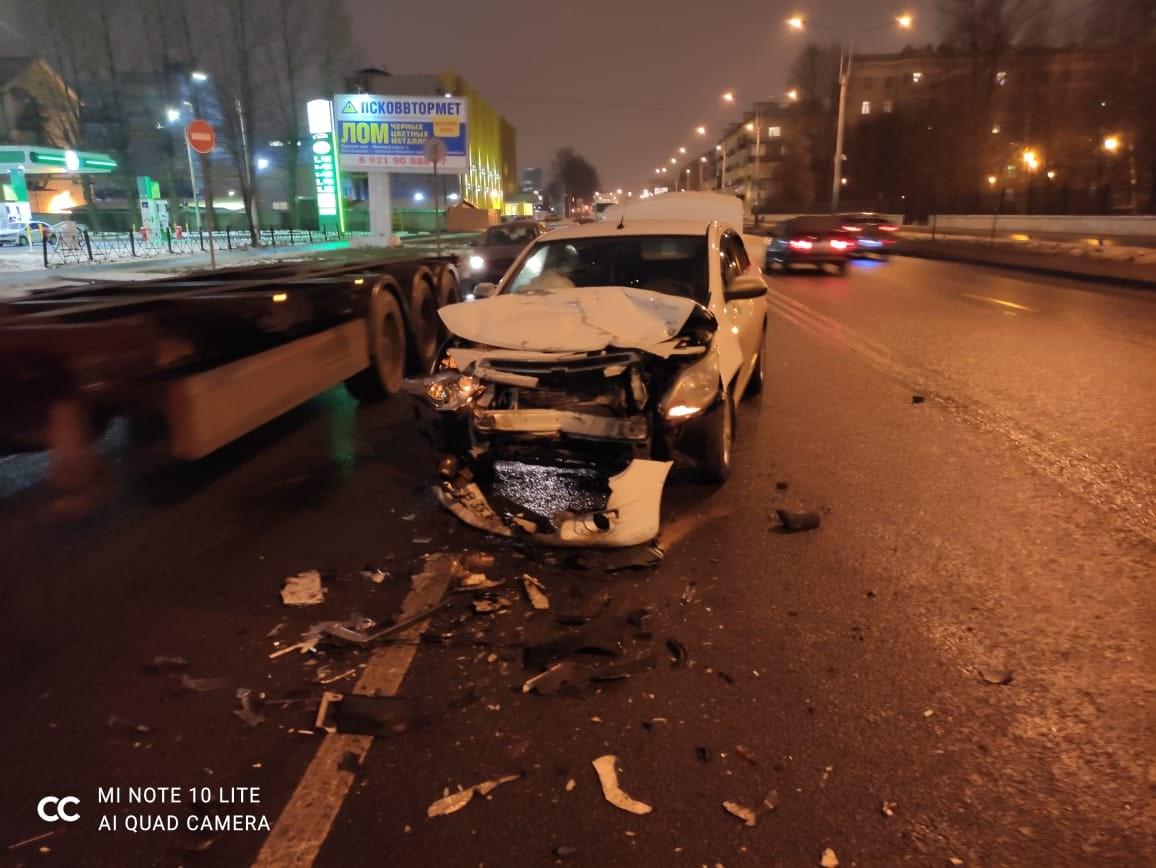 Прошу Вашей помощи! Просьба откликнуться свидетелей аварии произошедшей 14 декабря примерно в 22.40 ...