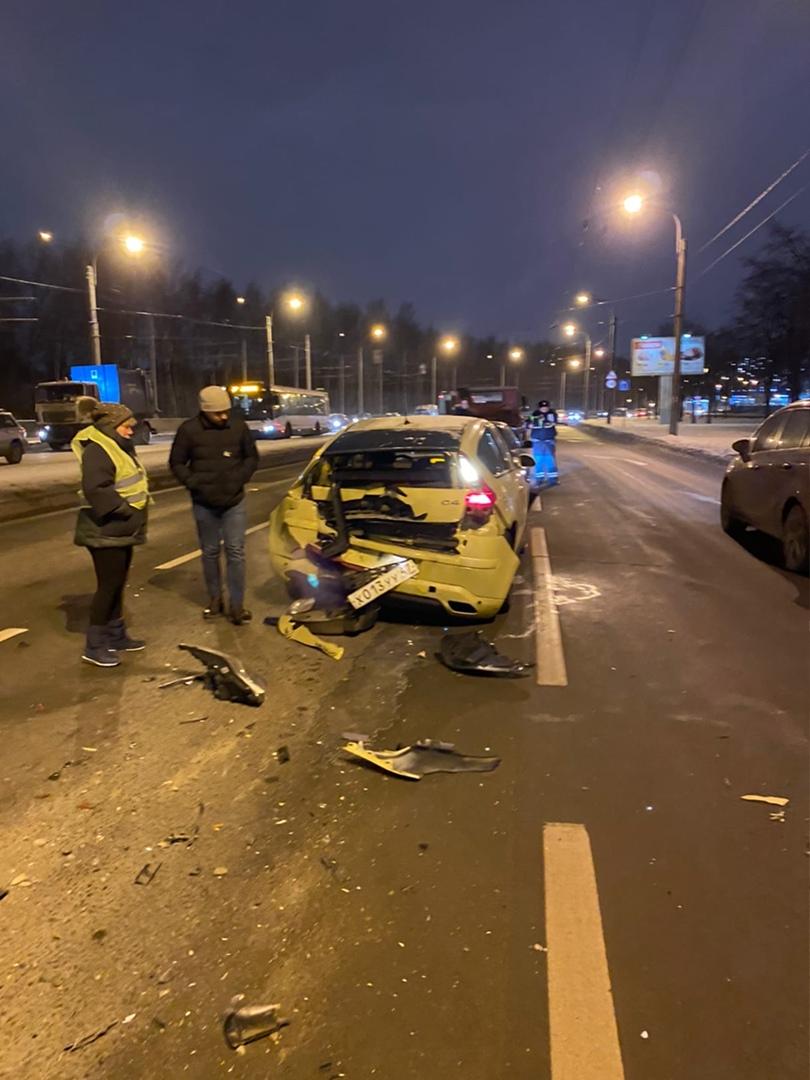 Ищу свидетелей с видеорегистратором аварии произошедшей 11 января на проспекте Косыгина от улицы Пер...