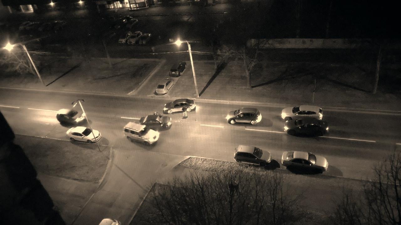 ДТП на Бутлерова 13. Жертв нет. Видел частично лично.