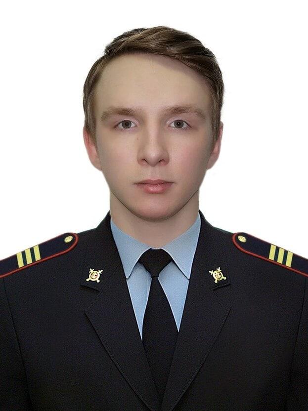 В Петербурге семья полицейских не дала убить блокадницу. Против вооружённого преступника вышли с лоп...