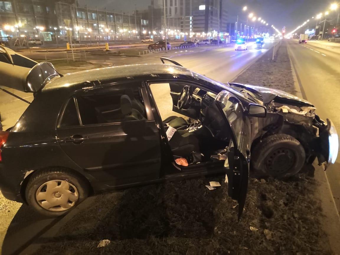 Полицейские задержали подозреваемого в краже автомобиля с автомойки, попавшего на угнанной машине в ...