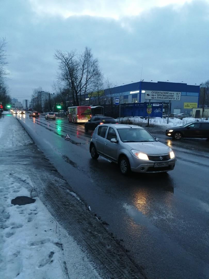23 января примерно в 16.40 произошло ДТП на 1ом верхнем переулке, Я на Renault Сандеро поворачивал к...