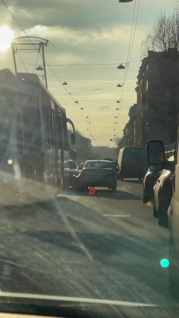 На Старо-Петергофском замесик из-за которого встали трамваи...