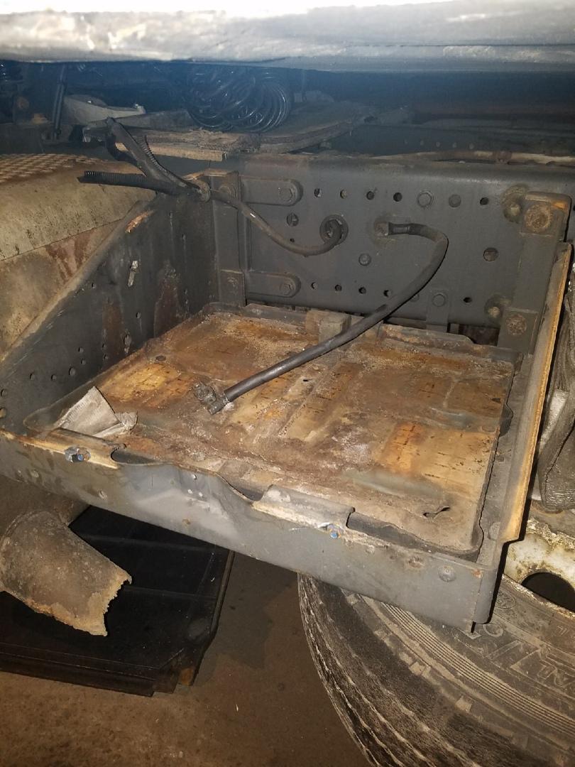 Ночью С 27 на 28 с моей машины украли Акумуляторы. Машина стояла улица Бестужевской ближе к Пискар...