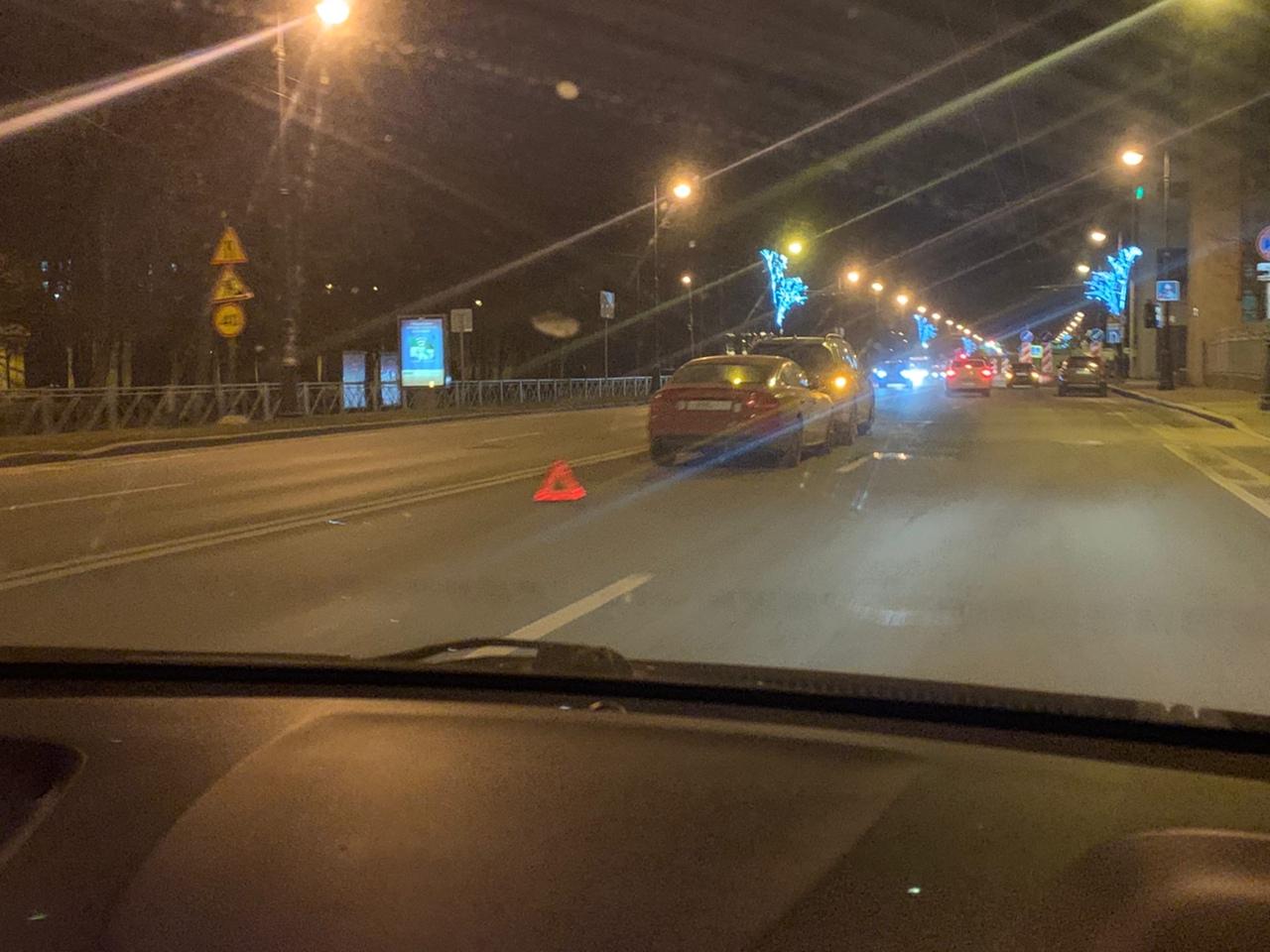На Большом проспекте ВО напротив дома 68 Audi приехала в Киа