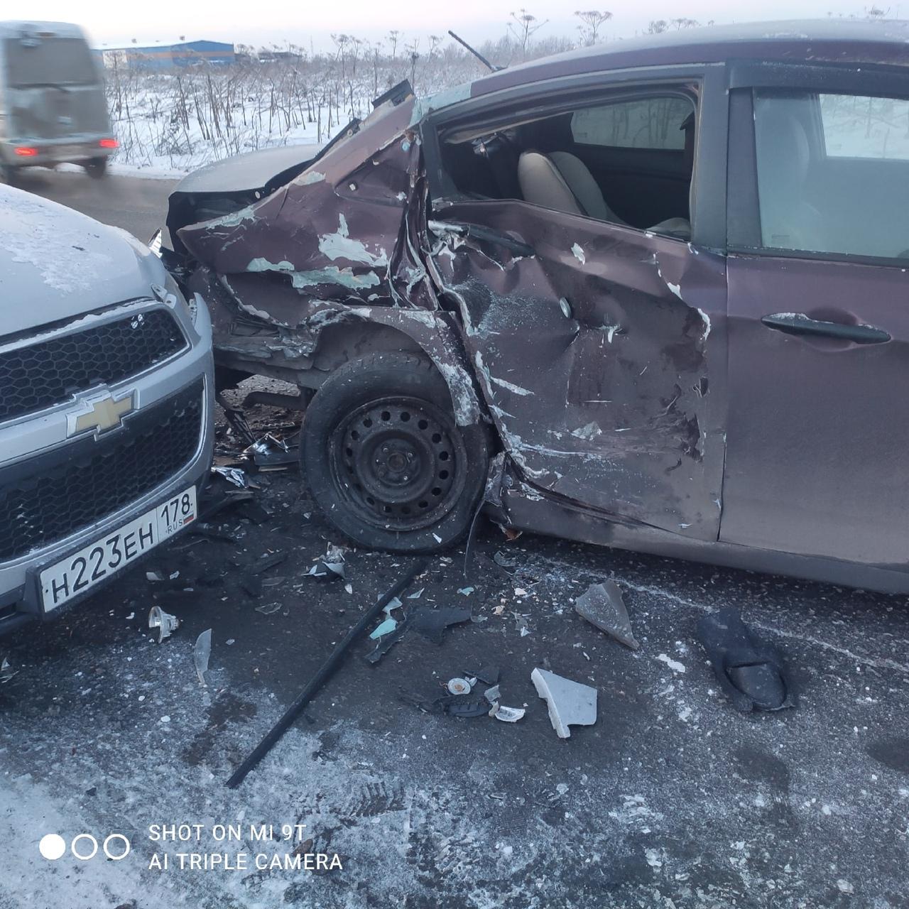 На выезде из поселка Федоровское на Московское шоссе произошло встречное столкновение, а виновник на...
