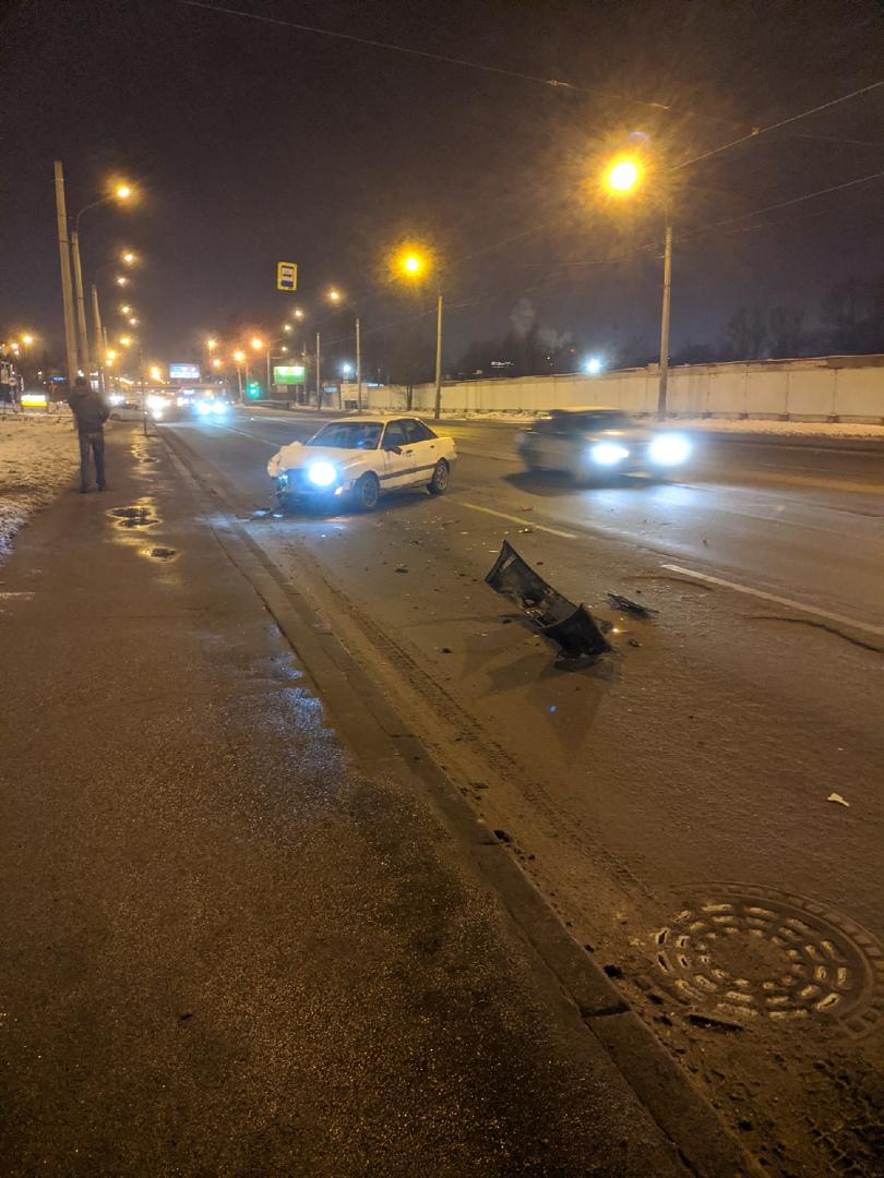 Авария на Салова около ТРК Рио.