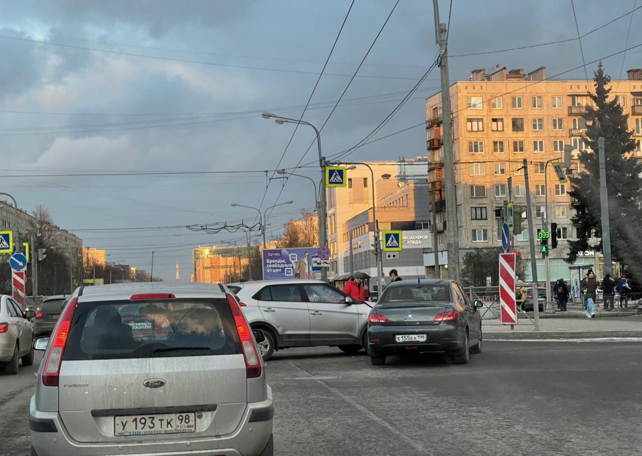 ДТП на перекрёстке Шаумяна и Заневского