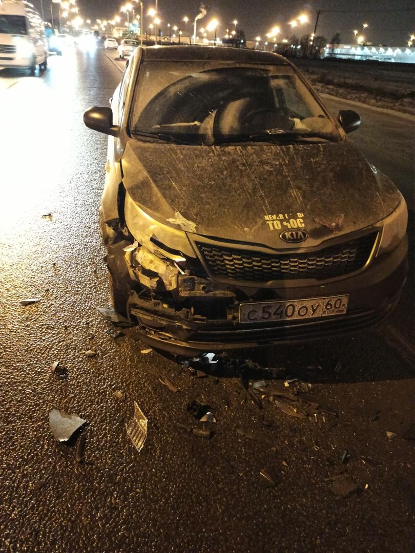 На Волхонском шоссе в 7 утра произошло ДТП между Киа Рио и VW Поло, но к сожалению регистратора у ме...