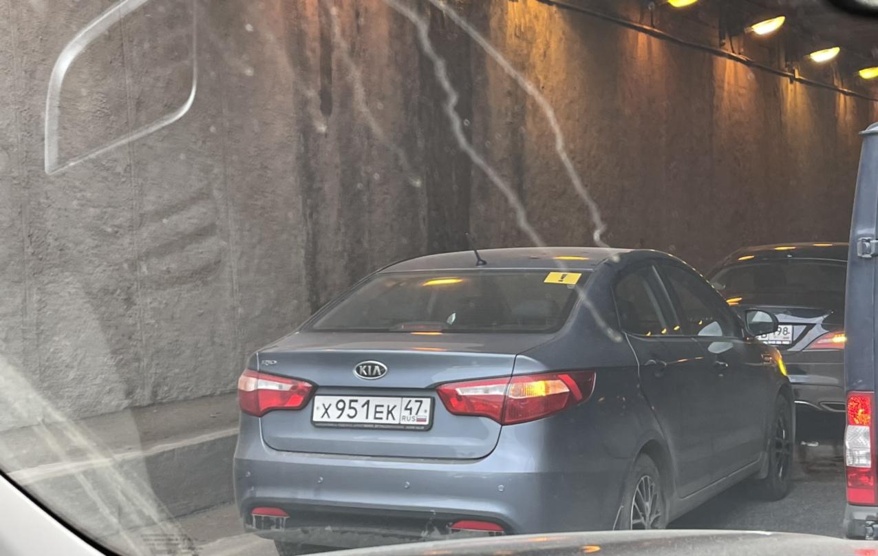 В тоннеле к мосту Ал. Невского, со стороны Обводного, в левом ряду Киа догнала Mercedes