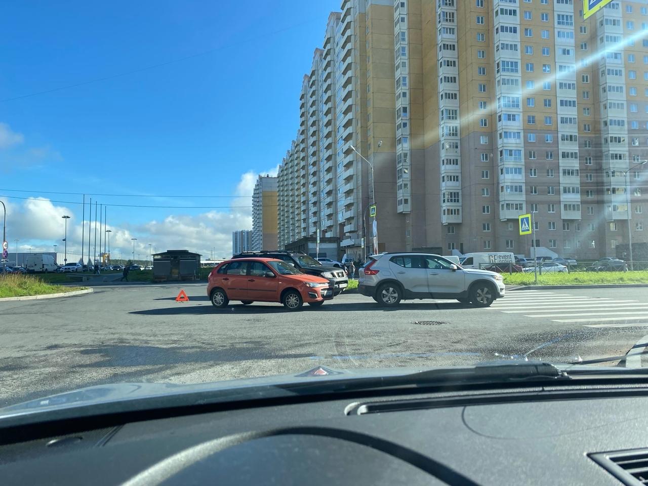 Дтп на проспекте Королева возле ЖК Каменка