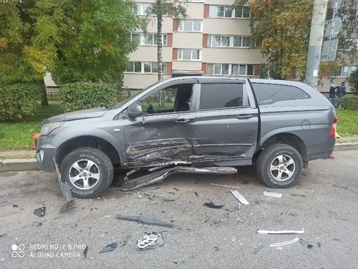 В ночь с 22 на 23 сентября на Суздальском проспекте у дома 109 произошло горе. В нашу припаркованную...