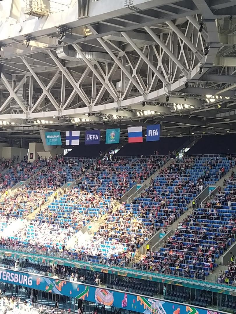Начался матч Евро 2020 Россия - Финляндия Финны забили на третьей минуте, но из офсайда. На 13-ой ...