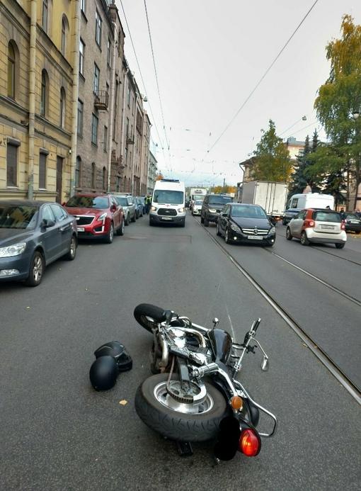 ⚠️ Поиск свидетелей! ⚠️ 1 октября примерно в 12:50 на Лесном проспекте 20к8 произошло ДТП с участи...