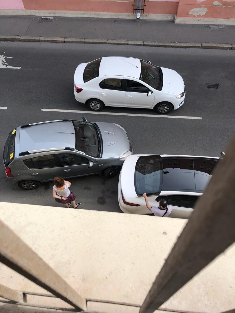 …параллельную парковку не сдала, Вот к чему приводят так называемые страховки в 20 т.р в автошколах ...
