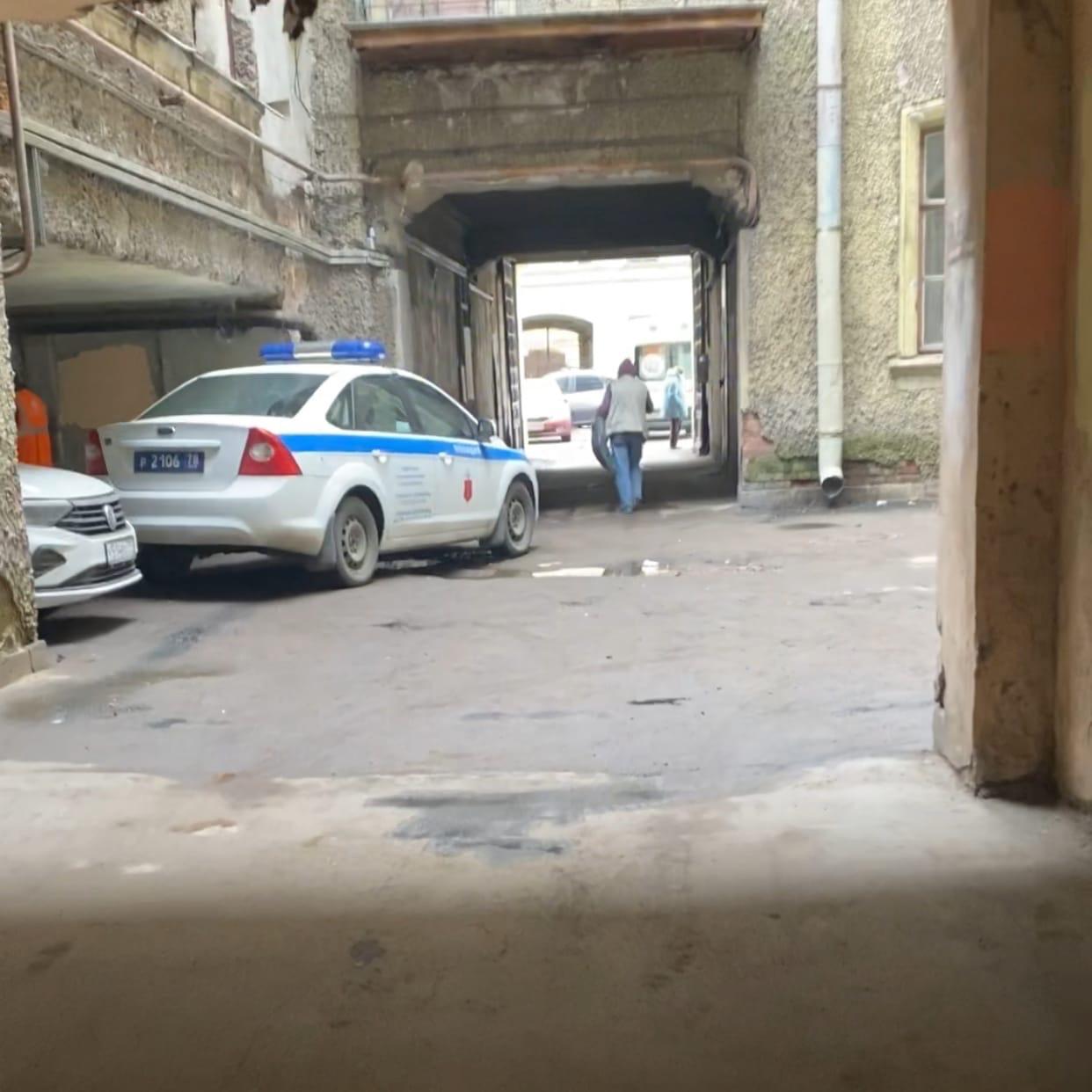 Вчера на улице Достоевского сантехник в подвале дома 36 нашёл тело женщины без одежды (приблизительн...