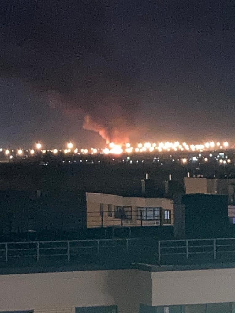 На Волхонском шоссе пожар повышенной сложности. Горит несанкционированная мусорка на площади 2000 к...