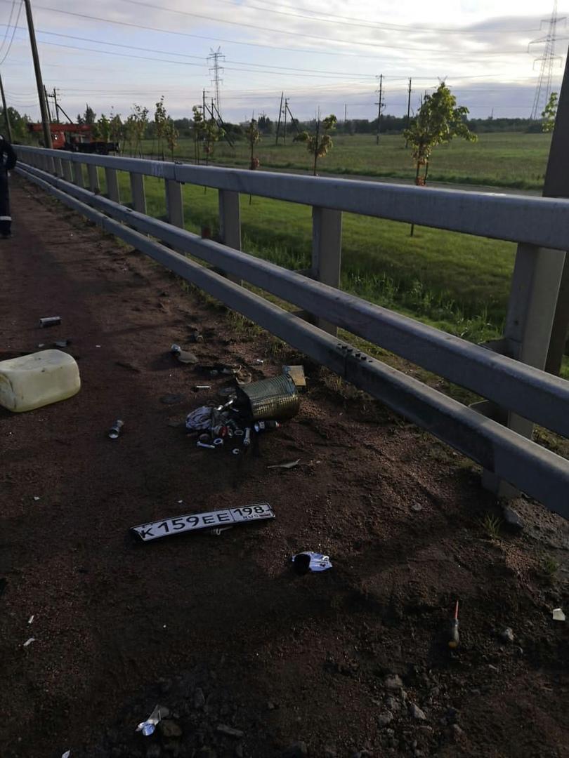 СПб ГБУ «Ленсвет» обратилось к водителям, которые, 27 мая, поздно вечером проезжали рядом с местом с...