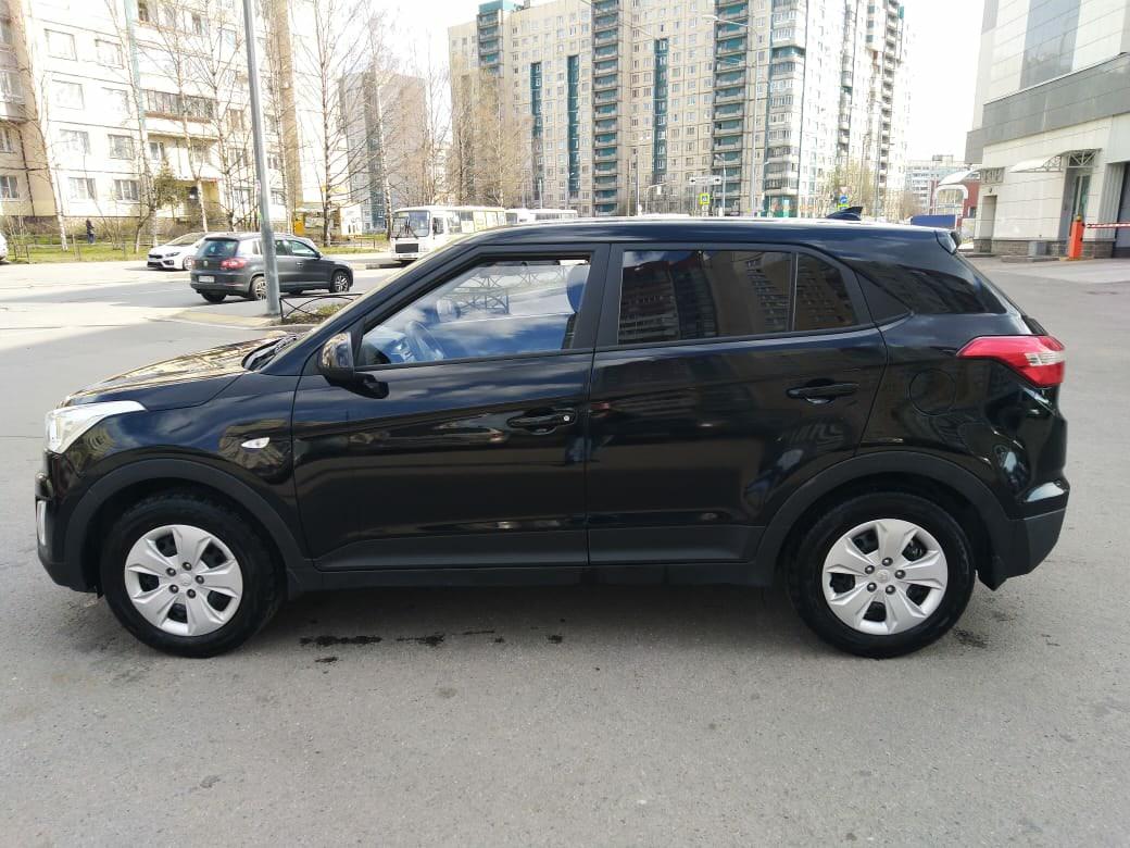 Ночью с 10 на 11 декабря с улицы Осипенко от дома 3 был угнан автомобиль Hyundai Creta черного цвета...