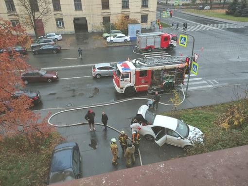 В 8ч.18м на Проспекте Кима в доме 7/19 произошло возгорание в жилой квартире. Пострадавших нет.