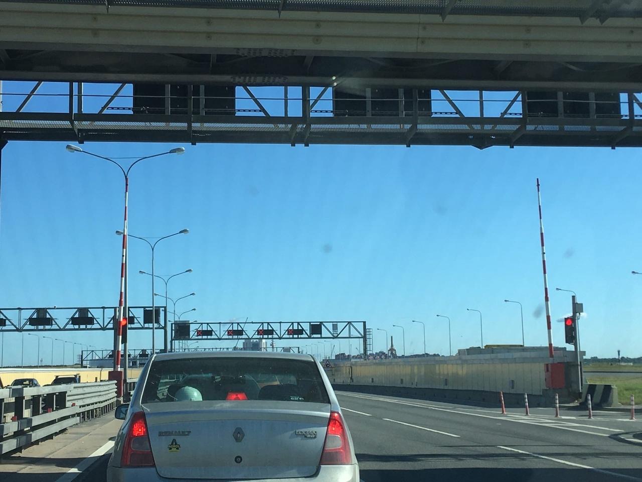 ДТП на внутренней стороне КАД. Туннель перекрыт.