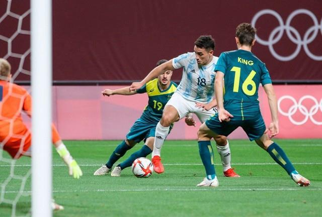 Эсекель Понсе в игре за сборную Аргентины на ОИ