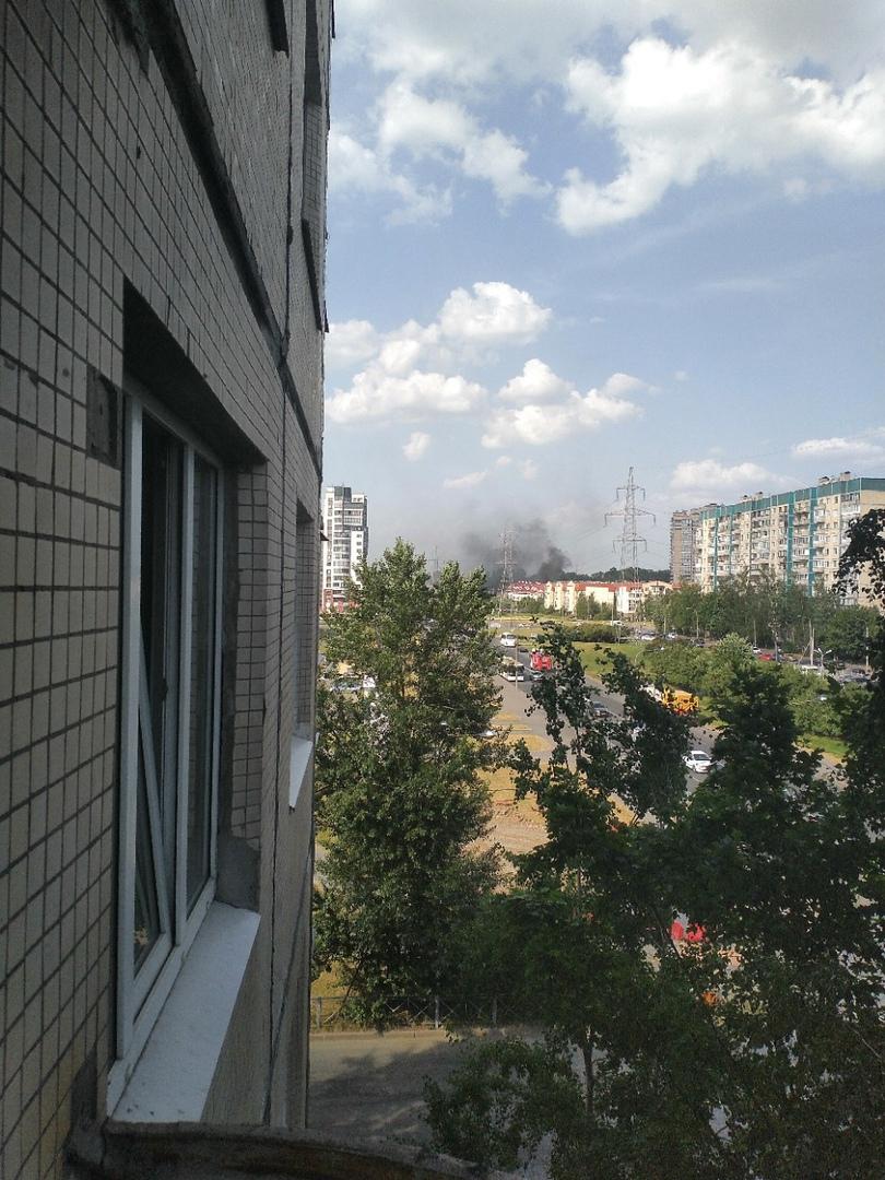 23 июня в 16:22 поступило сообщение о пожаре по адресу: Маршала Новикова ул., дом 25. В трехэтажном...