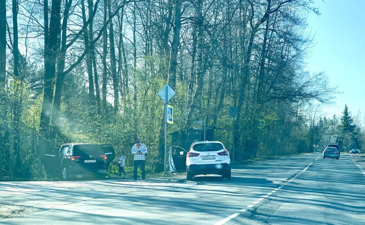 Водитель каршеринга отметил День Победы выведением из строя одной единицы легковой немецкой автотехн...