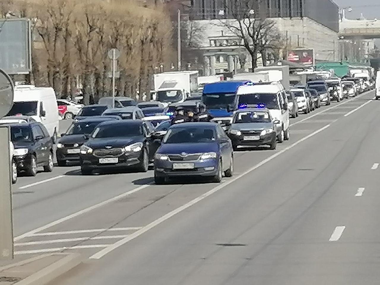 Задержание Киа Кворис двумя патрулями ДПС и 1 Росгвардии около метро Кировский завод после погони за...