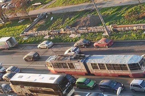 Уже почти 2 недели утренний трындец на перекрёстке Шлиссельбургского и Обуховской обороны