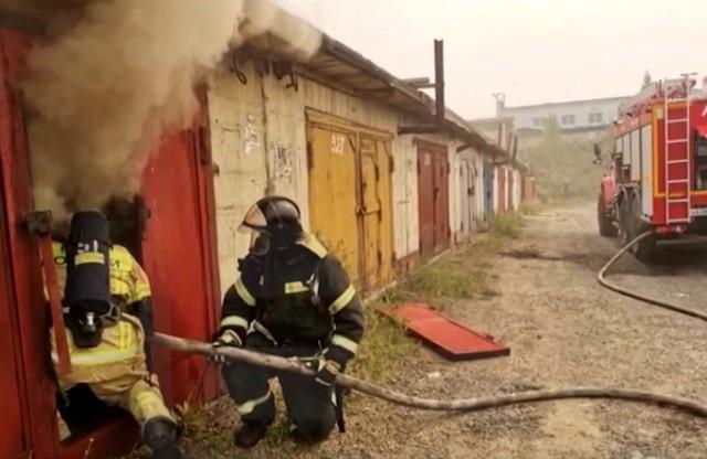 Пожар в гаражном кооперативе «Вираж»